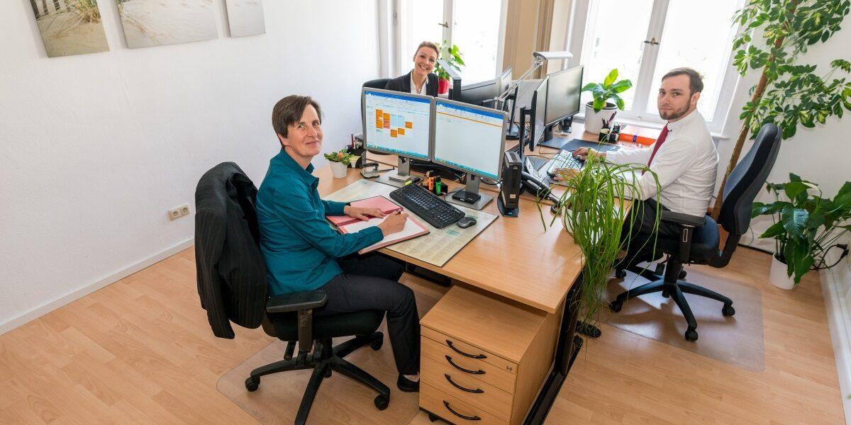 Mitarbeiter in Potsdam bei der Steuerberatung