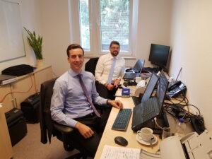 Wir arbeiten vor Ort im Unternehmen