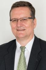 Herr Beil, Wirtschaftsprüfer, Geschäftsführer